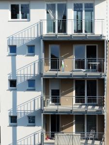 facade-231681_640